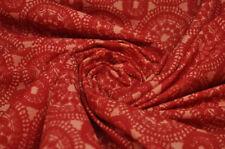 Synthetische Kleiderstoffe mit geometrischem Muster