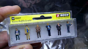 * Noch 15227 Business Travellers 6 Figure Set 1:87 / HO / 00 Scale