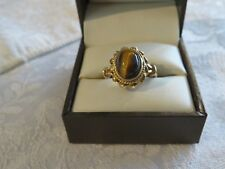 VINTAGE 1970s 9 CARAT GOLD RING SET WITH A TIGERS EYE CABACHON EXCELLENT CONDIT