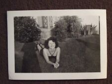 SEXY YOUNG LADY IN BATHING SUIT & HIGH HEELS LYING ON THE GRASS Vtg 1940's PHOTO