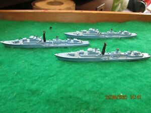 VINTAGE TRI-ANG MINIC SHIPS WATERLINE D CLASS DESTOYER HMS DECOY X 3 M774