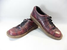 PAIR OF DR MARTENS SIZE 41 OR 7 UK / BORDEAUX / GOOD CONDITION