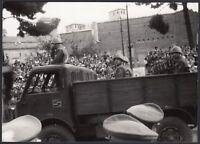 YZ3019 Roma - Festa Repubblica - Militari su Camion - Foto d'epoca - 1960 photo