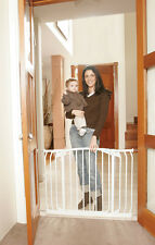 **NEW DREAMBABY SAFETY GATE** Chelsea Extra wide, great for hallways WHITE BNIB
