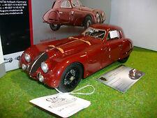 ALFA ROMEO 8C 2900B SPECIALE TOURING COUPE bordeaux de 1938 au 1/18 CMC M107