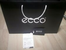 ecco gift bag with label and recap