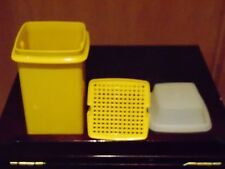 Tupperware Pickle Keeper Vintage Harvest Yellow Container w/ lid & insert 1330-5