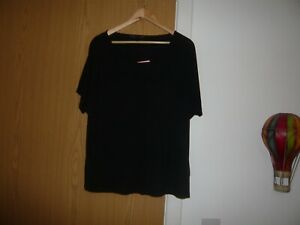ladies mark and spencers top  size 18 black with gold bar pattern