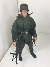 16 21ST CENTURY GERMAN WERMACHT MOTORCYCLE DRIVER MP-40+LUGER DRAGON BBI DID WW2