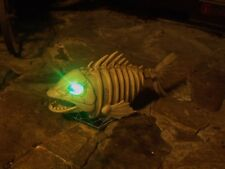 HALLOWEEN ANIMATED LIGHTED MOVING MOUTH EVIL SKELETON FISH PIRANHA FIGURE PROP