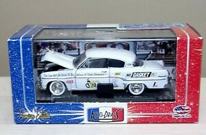 M2 Auto Drags R3 1954 Dodge Royal White Mr. Gasket Chase