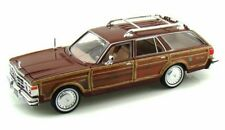 1979 Chrysler LeBaron Town&Country Red w/Siding Showcasts 73331 1/24 Diecast Car