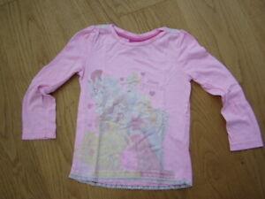 * Süßes rosa Langarm Shirt Disney Princess Gr. 116 - Girlies *