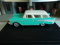 Oxford  1957  CHEVROLET  NOMAD   Green and White  1/87   HO  diecast car GM