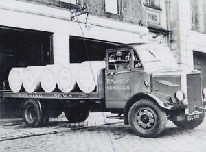 LEYLAND TRUCK PHOTO PHOTOGRAPH EVENING NEWS LORRY ROAD SCOTS TRANSPORT PICTURE.