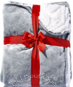 1 BATH & BODY WORKS GRAY WHITE FLEECE OR CABLE KNIT NAVY SOFT COZY RELAX BLANKET