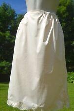 Cream or light beige half slip by Wondermaid.100% Antron.