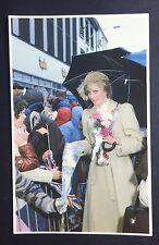 PRINCESS DIANA Sovereign Series No 56 POSTCARD Wales UMBRELLA P038