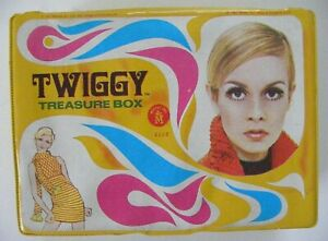 1967 Mattel Twiggy Vinyl Treasure Box Case  #5106