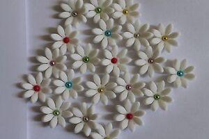 Zuckerdekor --Blumen mit Perlen--30 Stück--Fondant--Geburtstag---Torten---Party
