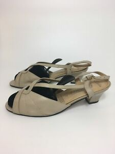 WOMENS CLARKS FOOTNOTES BEIGE LEATHER SLING BACK BUCKLE MID HEEL SANDALS UK 7