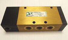 "Pneumax 224.52.11.1 Pneumatique 5/2 Pilote / Ressort Valvule - G1/4 "" Ports"