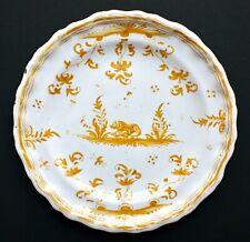 Assiette en faïence de Moustiers à décor jaune, France, XVIIIe siècle