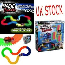 MAGIC TRACKS Racetrack 162 piec Glow in the Dark LED LIGHT UP RACE CAR Bend Flex