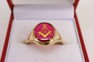 9ct Gold Synthetic Ruby Square And Compass with G Masonic Ring Size W. NICE1
