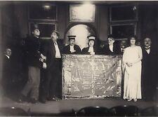 Théâtre scène avec avocats Curiosité photographique Vintage argentique ca 1920