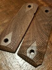 Full Size 1911 Classic Checkered Walnut Wood Grips with Border