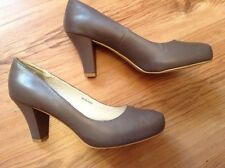 """New """" Clarks """" Size 6 Bree Taupe W Leather Shoes (39,5EU)Office 3,2"""" Heel Chunky"""