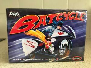 Polar Lights - Batman Batcycle 1:25 Scale Model Kit-New in Box