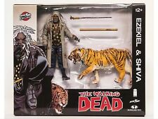 NYCC 2017 EXCLUSIVE WALKING DEAD BLOODY EZEKIEL & SHIVA FIGURE PACK SKYBOUND