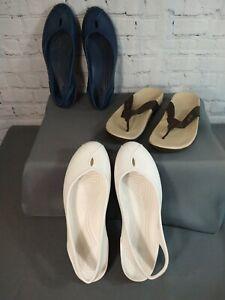 Lot of 3 women's CROCS / ballet flats & flip flop sandals - SIZE 10