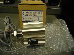 SMC CDQ2B32-15DCM Comp Cylinder Dble Acting Single Rod NIB