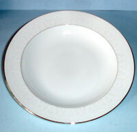 """Waterford Ballet Icing Pearl Rim Soup Bowl 9"""" New"""