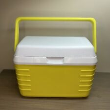 Vintage Mini Rubbermaid cooler #2901 3 cans, 3 Qt - Rare yellow color! Made USA