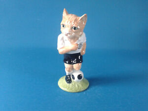 Beswick The Footballing Felines Collection Dribble FF4 Special Edition