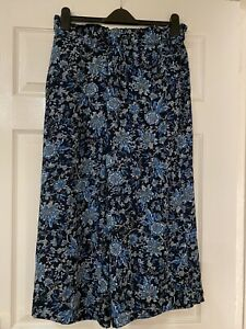 BNWT H&M BLUE FLORAL CROPPED  WIDE LEG / CULOTTES TROUSERS UK SIZE 16