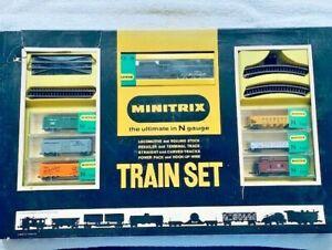 Minitrix N Gauge Steam Locomotive and 6 car starter Set