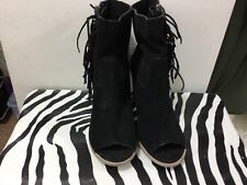 Ladies size 9 adorable peep toe fringed zipper side boot shoes