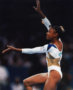 DOMINIQUE DAWES  USA WOMENS OLYMPIC GYMNASTICS 8X10 SPORTS PHOTO (S)