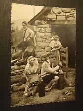 CPM L'Ariège Cabane du Pâtre fabrication du beurre à l'aide du Biroun
