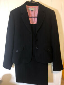Women's BLACK AND PINK PIN STRIPE TAHARI SUIT SIZE 4P, FULLY LINED, 3 PIECES