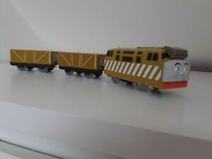 VINTAGE Thomas and friends trackmaster toy train Diesel 10 troublesome truck x 2