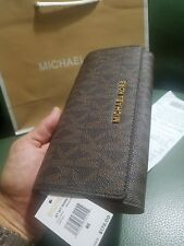 MICHAEL KORS iphone JET SET TRAVEL SIGNATURE LEATHER LARGE CARRYALL WALLET brown