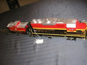 LIONEL TRAIN ENGINE NUMBER 4286 GP38 WITH MATCHING CABOOSE