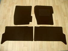 Land Rover Discovery TD5 (1999-05) Fully Tailored Car Mats in Black.