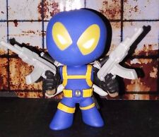 MARVEL FUNKO MYSTERY MINI 1/12 DEADPOOL (W/ GUNS) (BLUE) SDCC EXCLUSIVE
